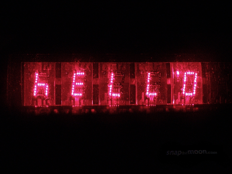 H E L L O 07734 snapTHEmoon introdution